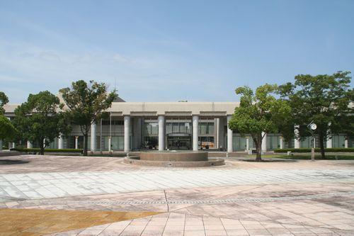 県立図書館