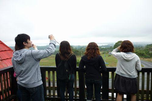 学生達も、雄大な自然に夢中です