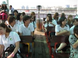 CPも研修生もお揃いのポロシャツで皆仲良し!