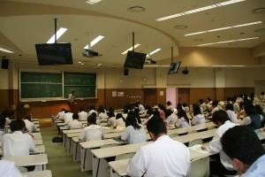 福田教授「英語学」の授業風景。みんな真剣☆