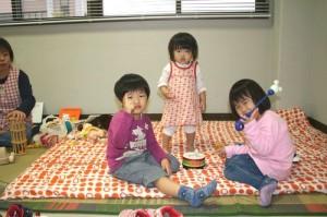 お子様連れの卒業生も安心して参加してもらえるよう、託児所も用意しています。