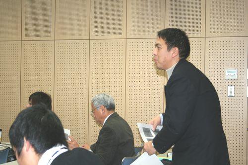 発表後の質疑応答では、住岡先生からの鋭い質問が…