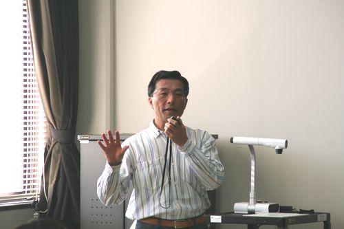 基礎演習Ⅰ・Ⅱ担当の加藤先生