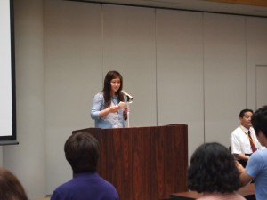 学生代表ハナフサさんによる日・韓の両言語でのあいさつ!