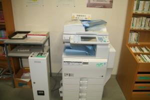 図書館のコピー機です。