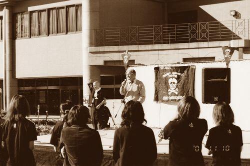 先週のブログでも登場した内嶋元学長からもご挨拶をいただきました