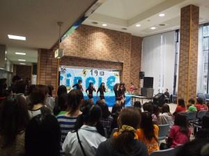 ついに立ち見も続出!の「日韓ダンスフェスティバル」