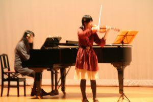 アンサンブル同好会は、ピアノとヴァイオリンの…